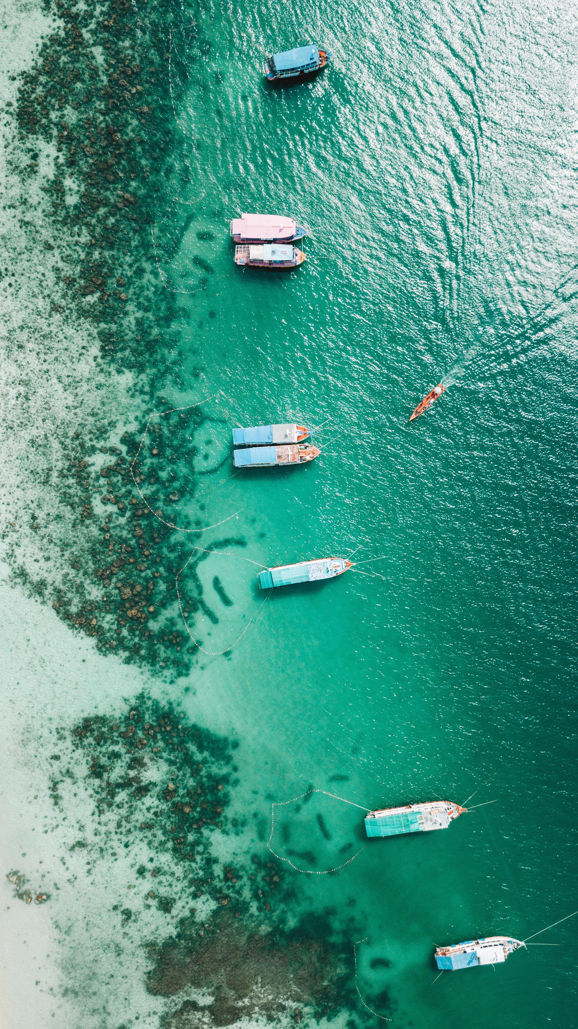 112575 Заставки и Обои Лодки на телефон. Скачать Природа, Берег, Лодки, Мель, Океан, Пришвартованные, Вид С Воздуха картинки бесплатно