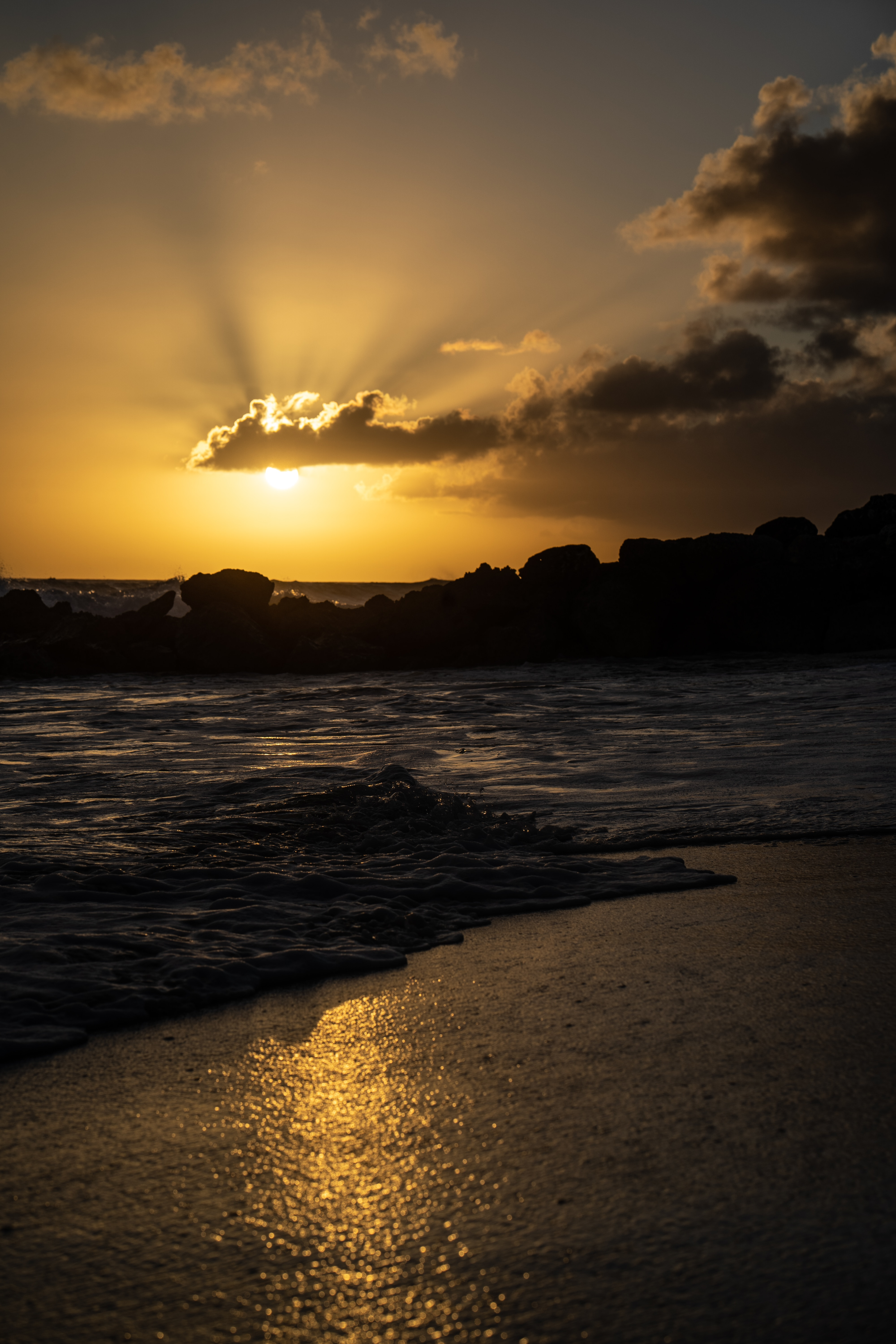 152121 download wallpaper Dark, Sea, Sunset, Dusk, Twilight, Beach, Waves screensavers and pictures for free