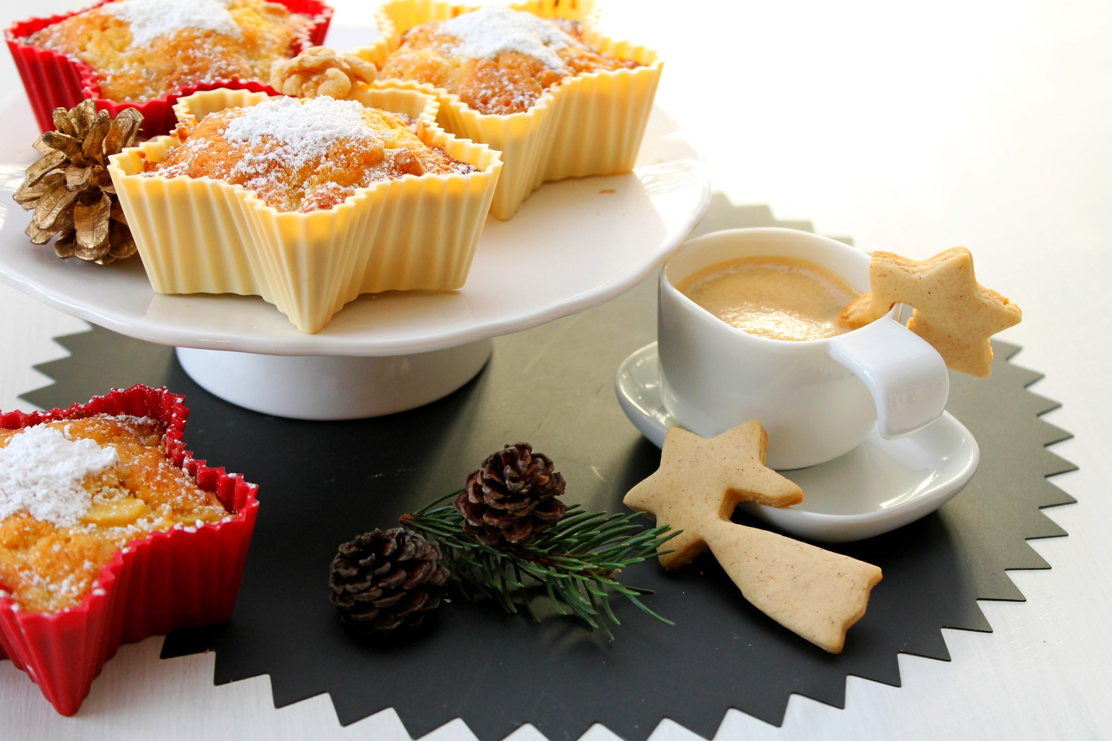 102896 скачать обои Еда, Пирожные, Кофе, Шишки, Рождество - заставки и картинки бесплатно