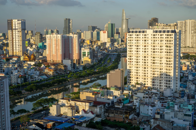 70597壁紙のダウンロード建物, 川, 市, 都市, 上から見る-スクリーンセーバーと写真を無料で