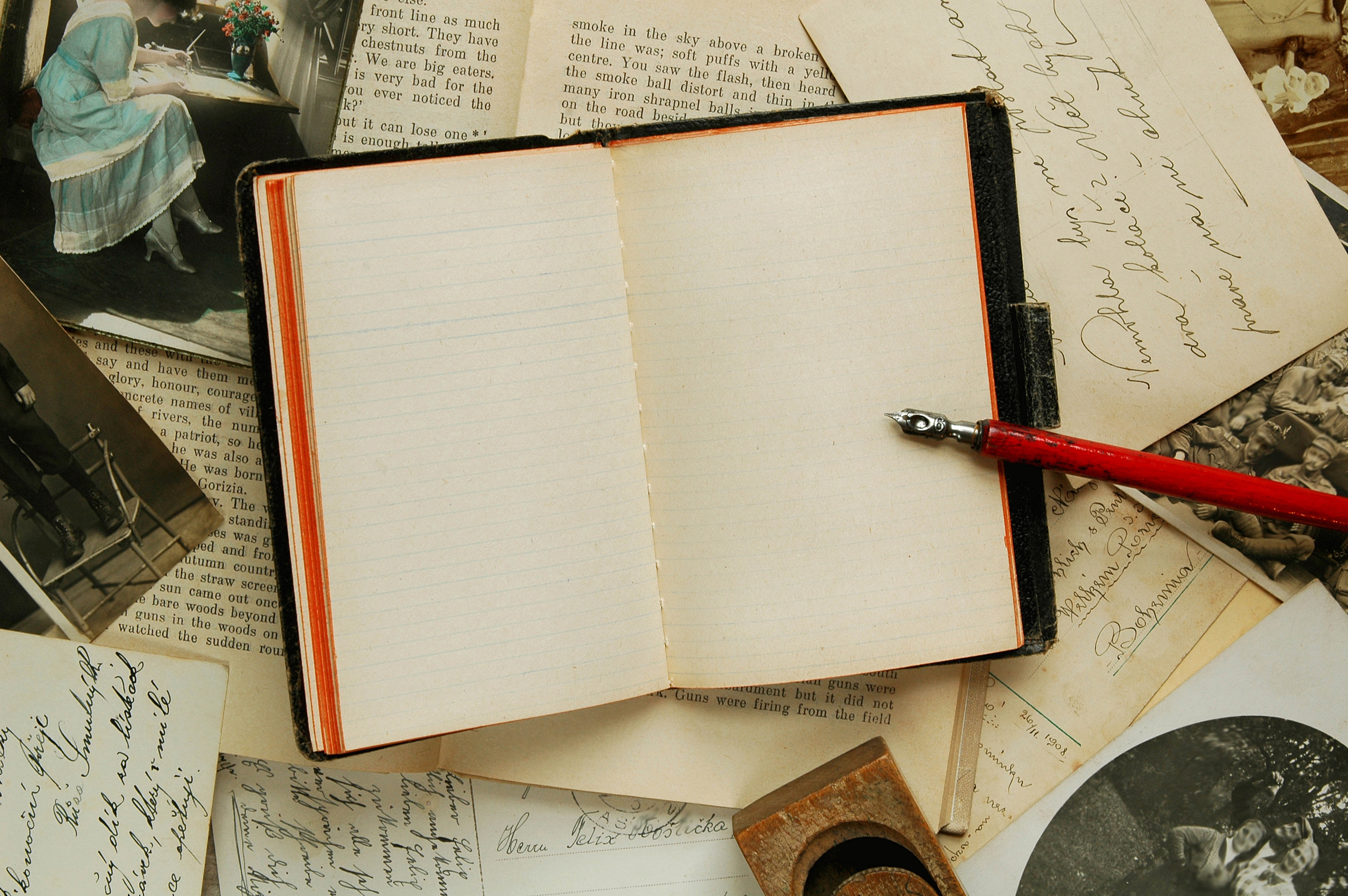 82684 download wallpaper Miscellanea, Miscellaneous, Old, Table, Letters, Notebook, Notepad, Pen, Emptiness, Void screensavers and pictures for free