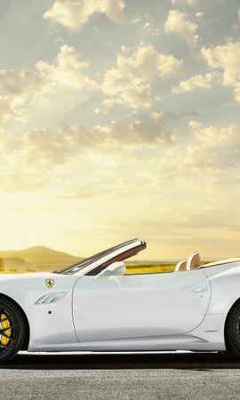 115752 télécharger le fond d'écran Sky, Sun, Ferrari, Voitures, Domaine, Champ, Éblouissement, Éclat - économiseurs d'écran et images gratuitement