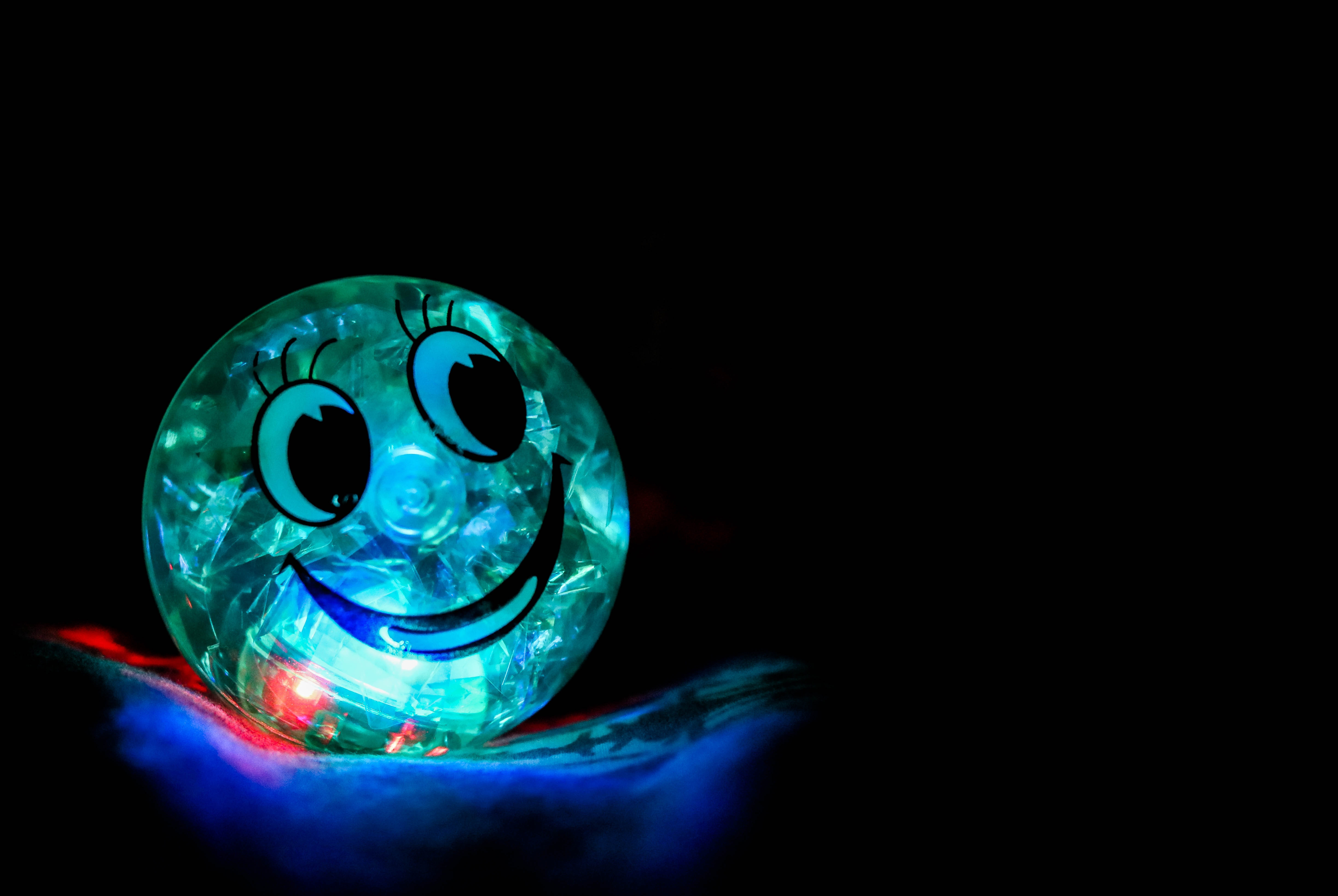 76220 Screensavers and Wallpapers Smile for phone. Download Smile, Dark, Backlight, Illumination, Ball, Happiness pictures for free