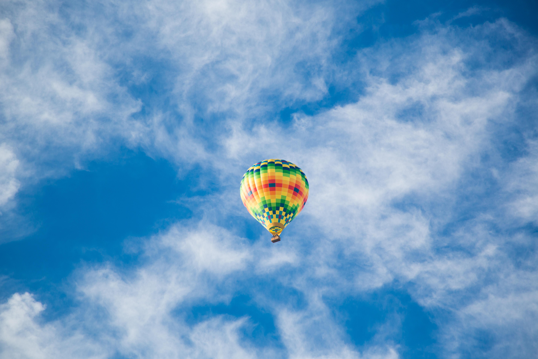 111205 papel de parede 720x1520 em seu telefone gratuitamente, baixe imagens Céu, Nuvens, Miscelânea, Variado, Voar, Voo, Balão 720x1520 em seu celular