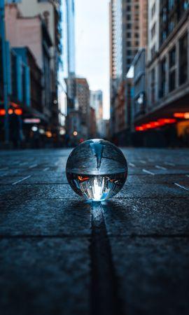 83104壁紙のダウンロードその他, 雑, 水晶球, クリスタルボール, 玉, 球, 反射, 市, 都市-スクリーンセーバーと写真を無料で