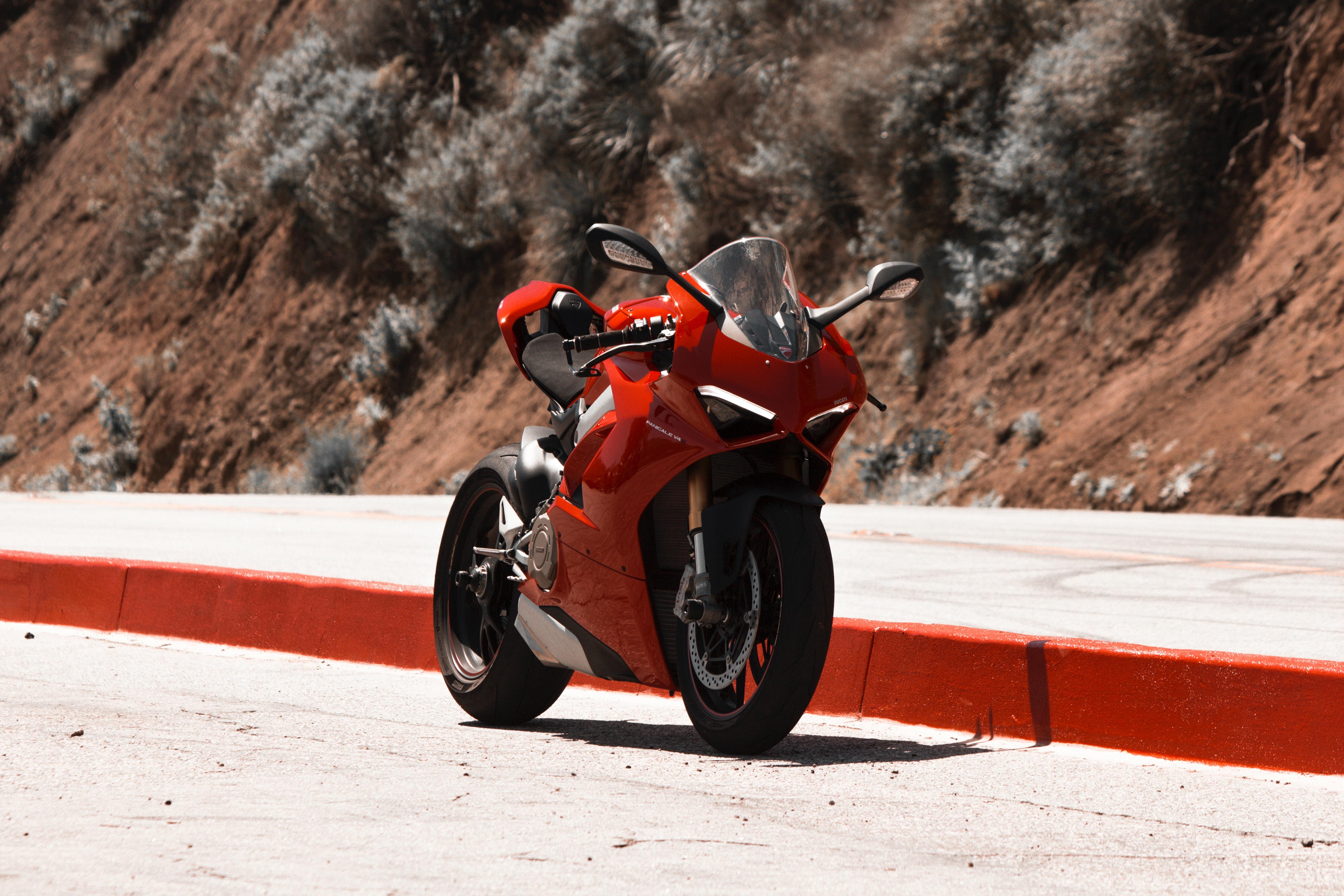 146706 скачать обои Мотоциклы, Мотоцикл, Байк, Спортбайк, Красный - заставки и картинки бесплатно