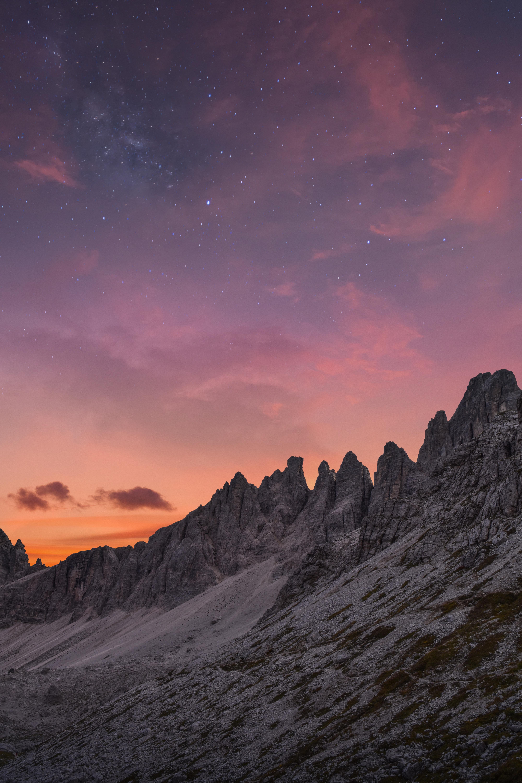 86379 Hintergrundbild 720x1280 kostenlos auf deinem Handy, lade Bilder Landschaft, Natur, Sky, Mountains, Sterne, Clouds, Dämmerung, Twilight, Gebirge, Bergkette 720x1280 auf dein Handy herunter