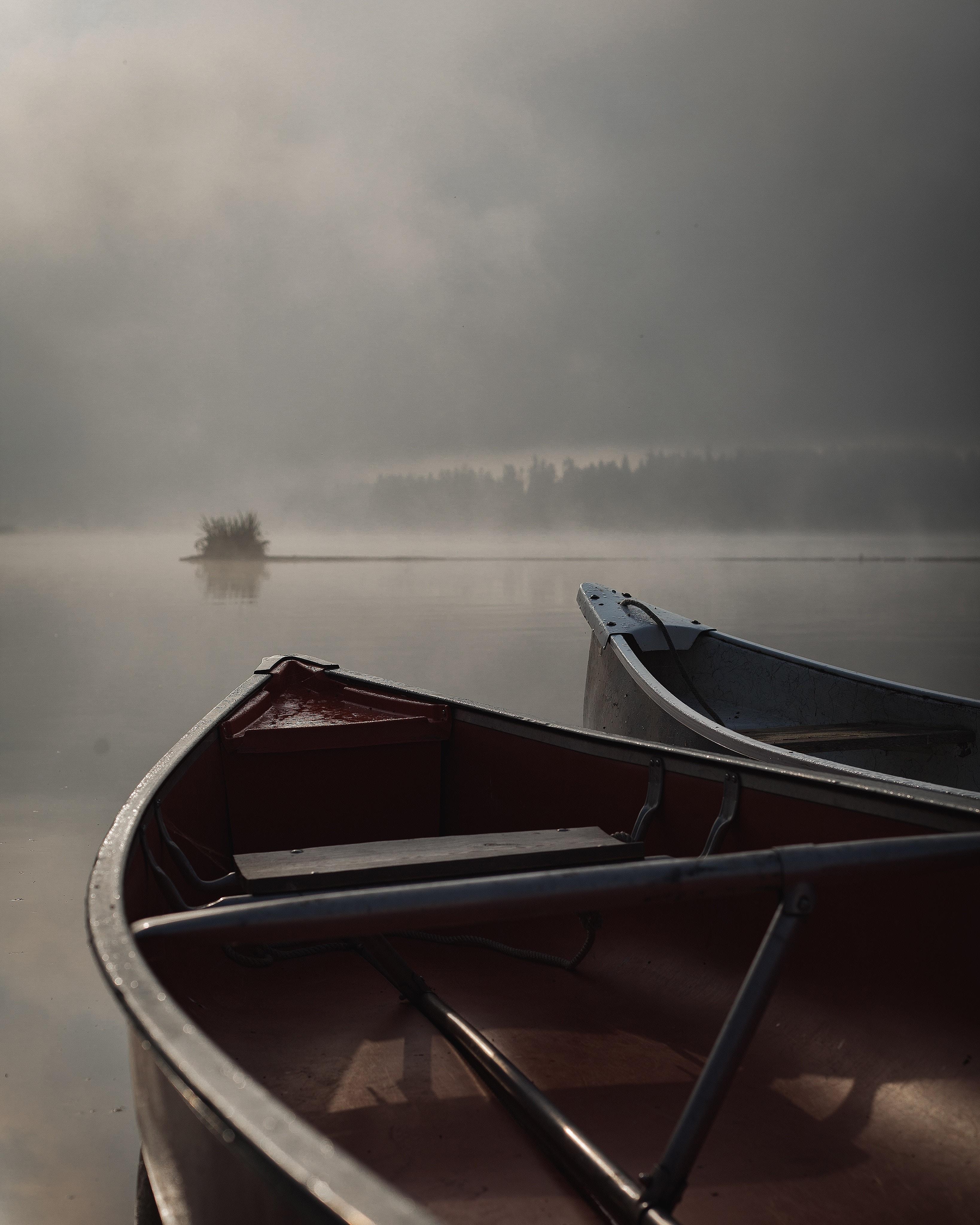129629 Заставки и Обои Лодки на телефон. Скачать Природа, Лодки, Туман, Река, Вечер картинки бесплатно