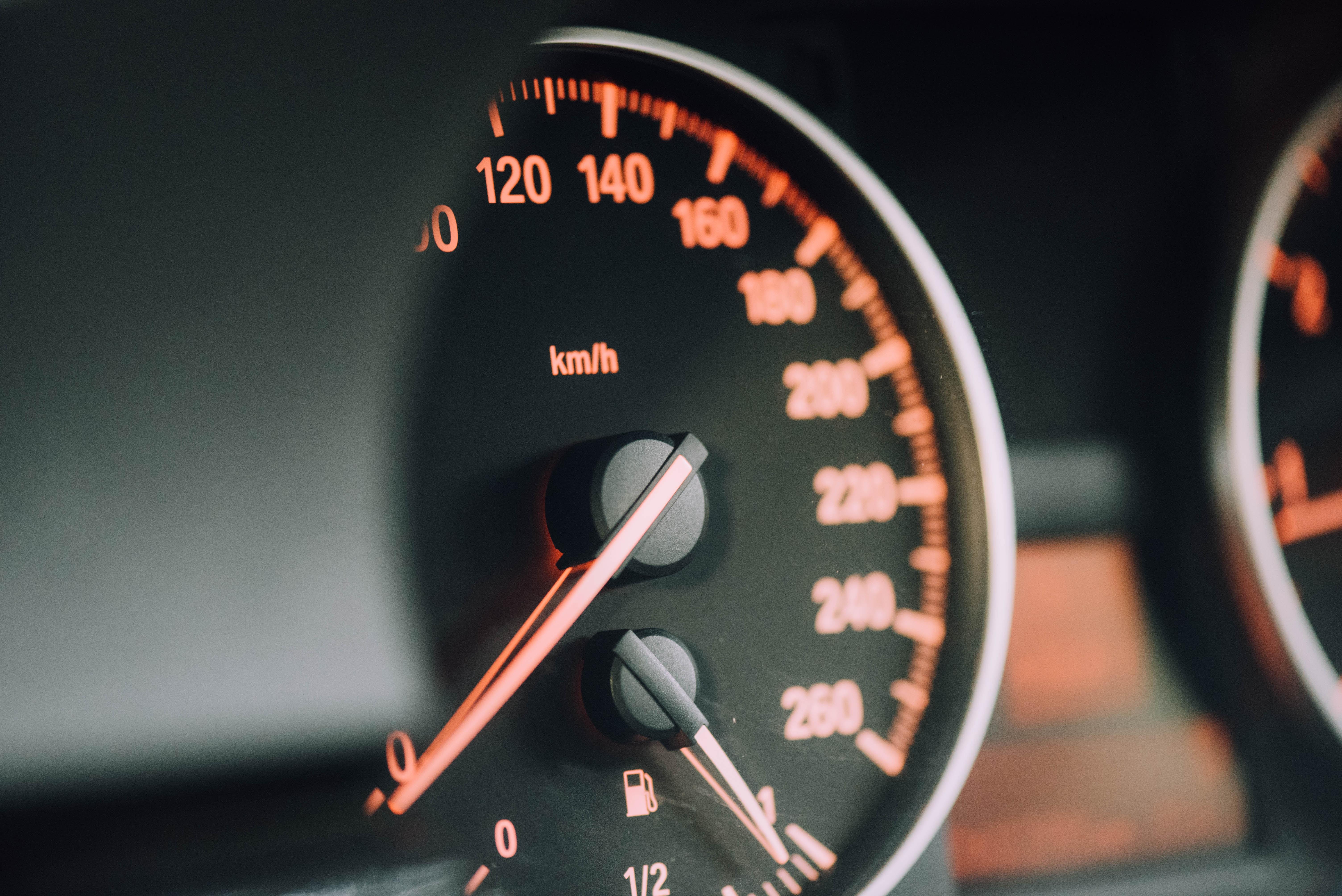 98929壁紙のダウンロードカール, スピードメーター, 速度計, 矢印, 数字, 番号, 分割, 除法-スクリーンセーバーと写真を無料で
