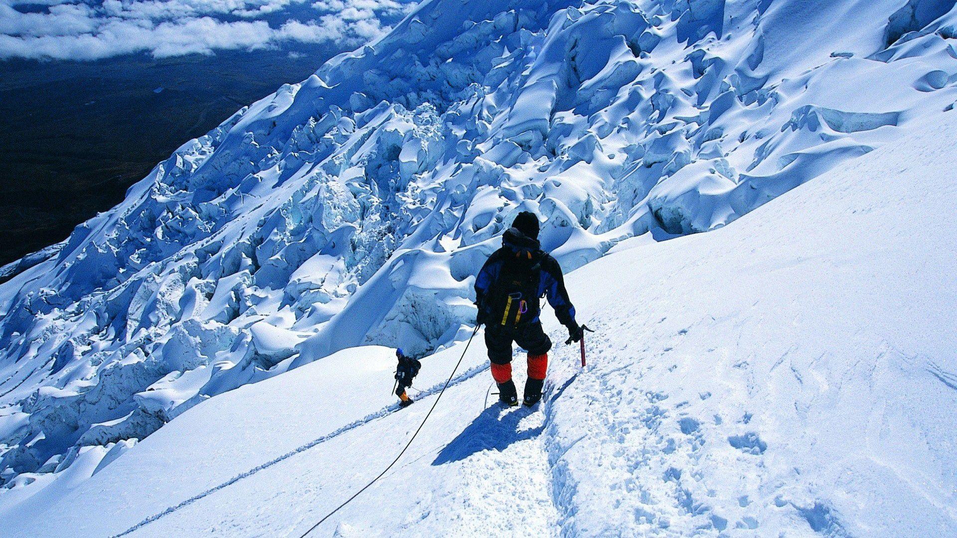 92884 papel de parede 1080x2400 em seu telefone gratuitamente, baixe imagens Esportes, Montanhas, Neve, Vértice, Início, Alpinista, Alpinist, Conquista 1080x2400 em seu celular