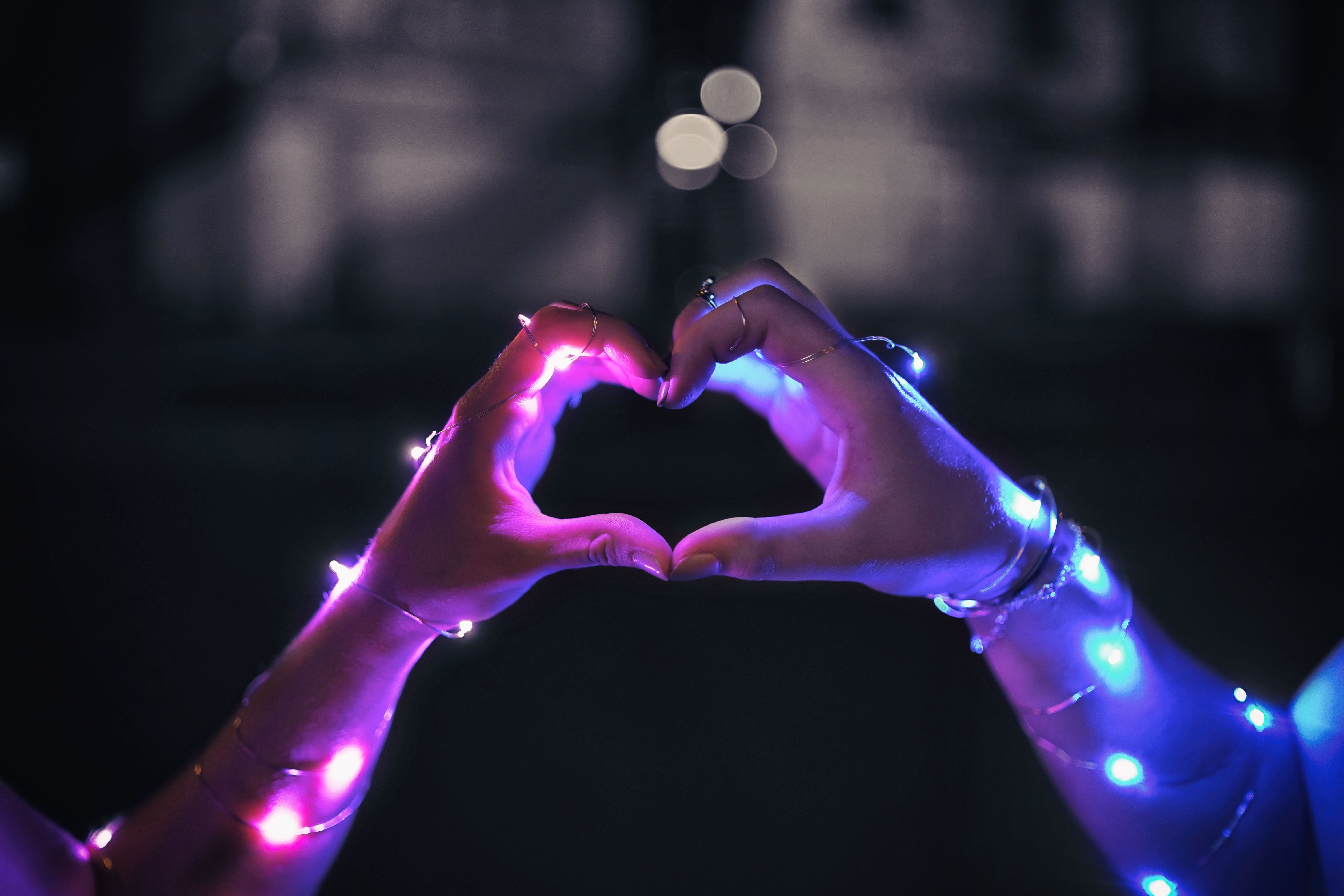 69194 download wallpaper Love, Hands, Heart, Garland, Touching, Touch, Garlands screensavers and pictures for free