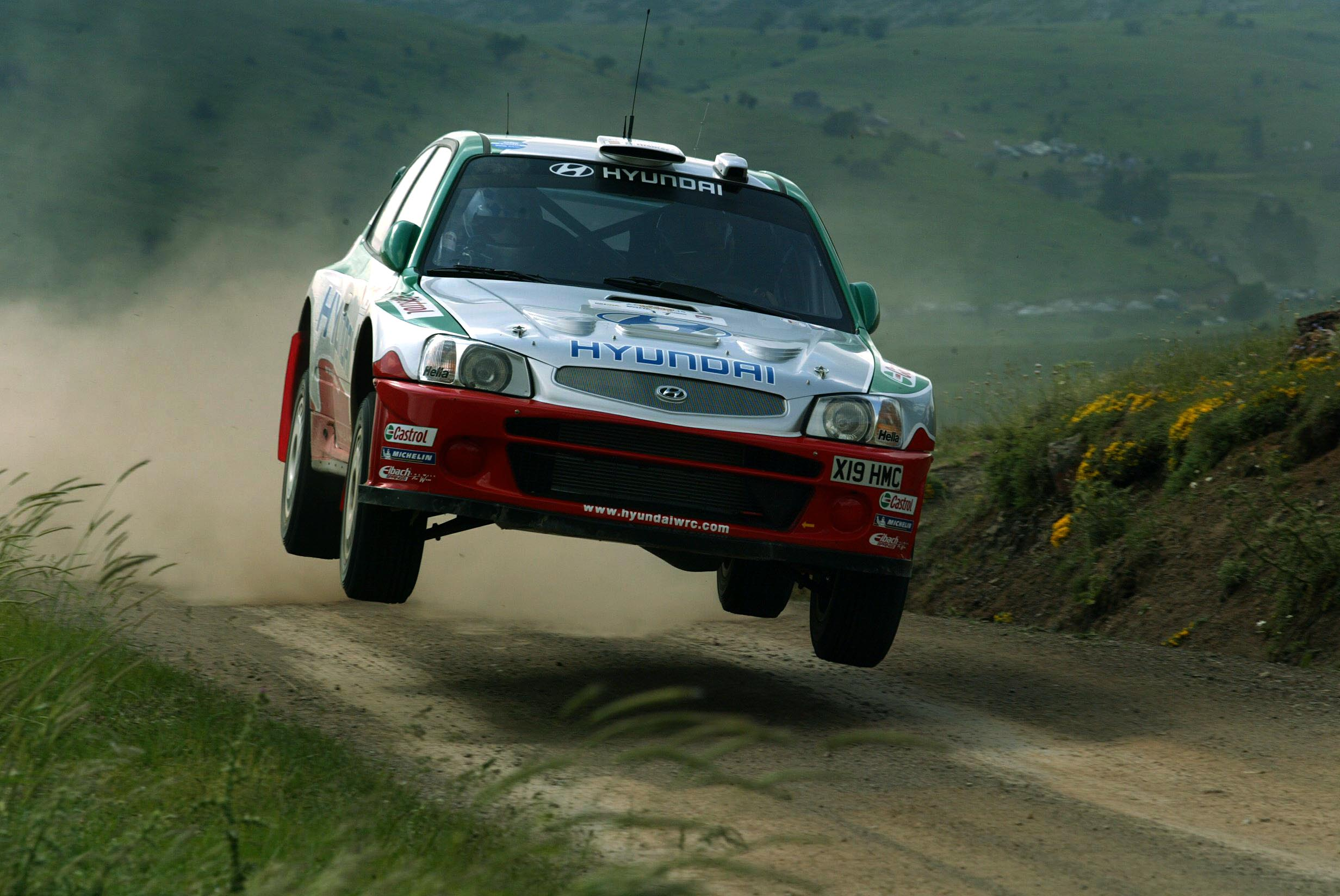 64840 download wallpaper Sports, Hyundai, Wrc, Wrc 2002 screensavers and pictures for free