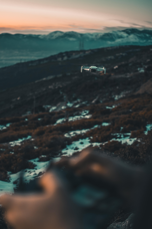 140857 Hintergrundbild herunterladen Flugzeuge, Flugzeug, Technologien, Technologie, Gerät, Quadrocopter, Der Quadcopter, Drohne - Bildschirmschoner und Bilder kostenlos