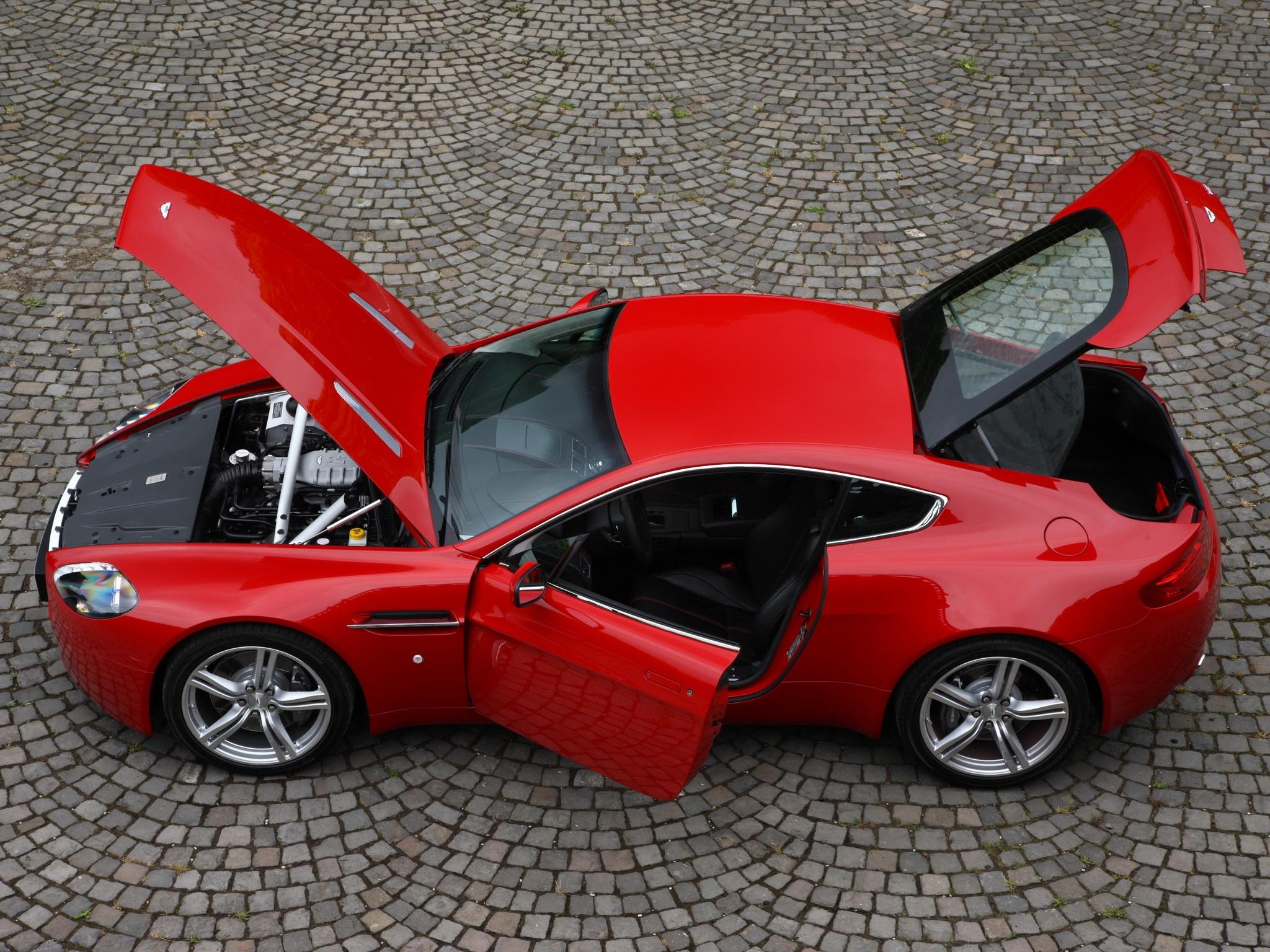 84441 скачать обои Машины, Астон Мартин (Aston Martin), Тачки (Cars), Вид Сверху, Красный, Стиль, 2008, V8, Vantage - заставки и картинки бесплатно