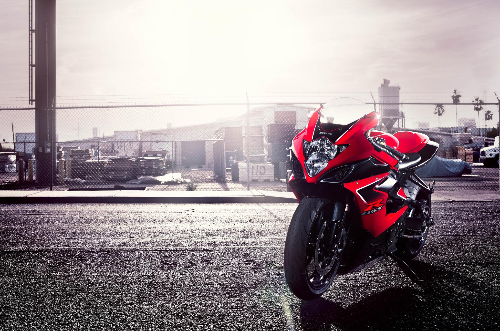 124114 скачать обои Мотоциклы, Сузуки (Suzuki), Красный, Motorcycle, 1000, Gsx-R - заставки и картинки бесплатно