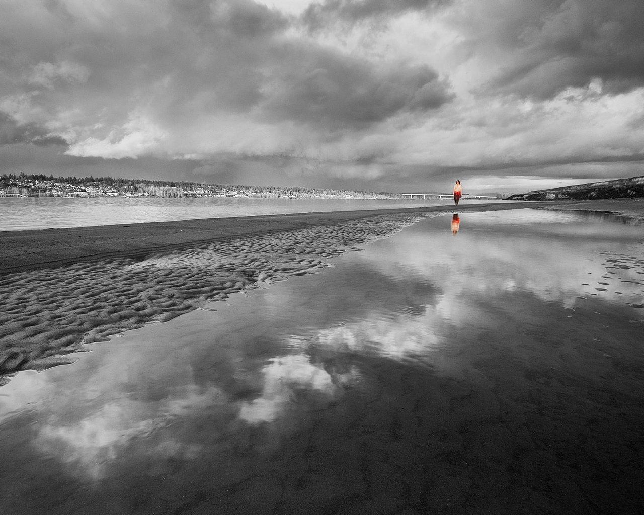 61261 baixar papel de parede Natureza, Praia, Areia, Água, Humano, Pessoa, Silhueta, Preto E Branco - protetores de tela e imagens gratuitamente
