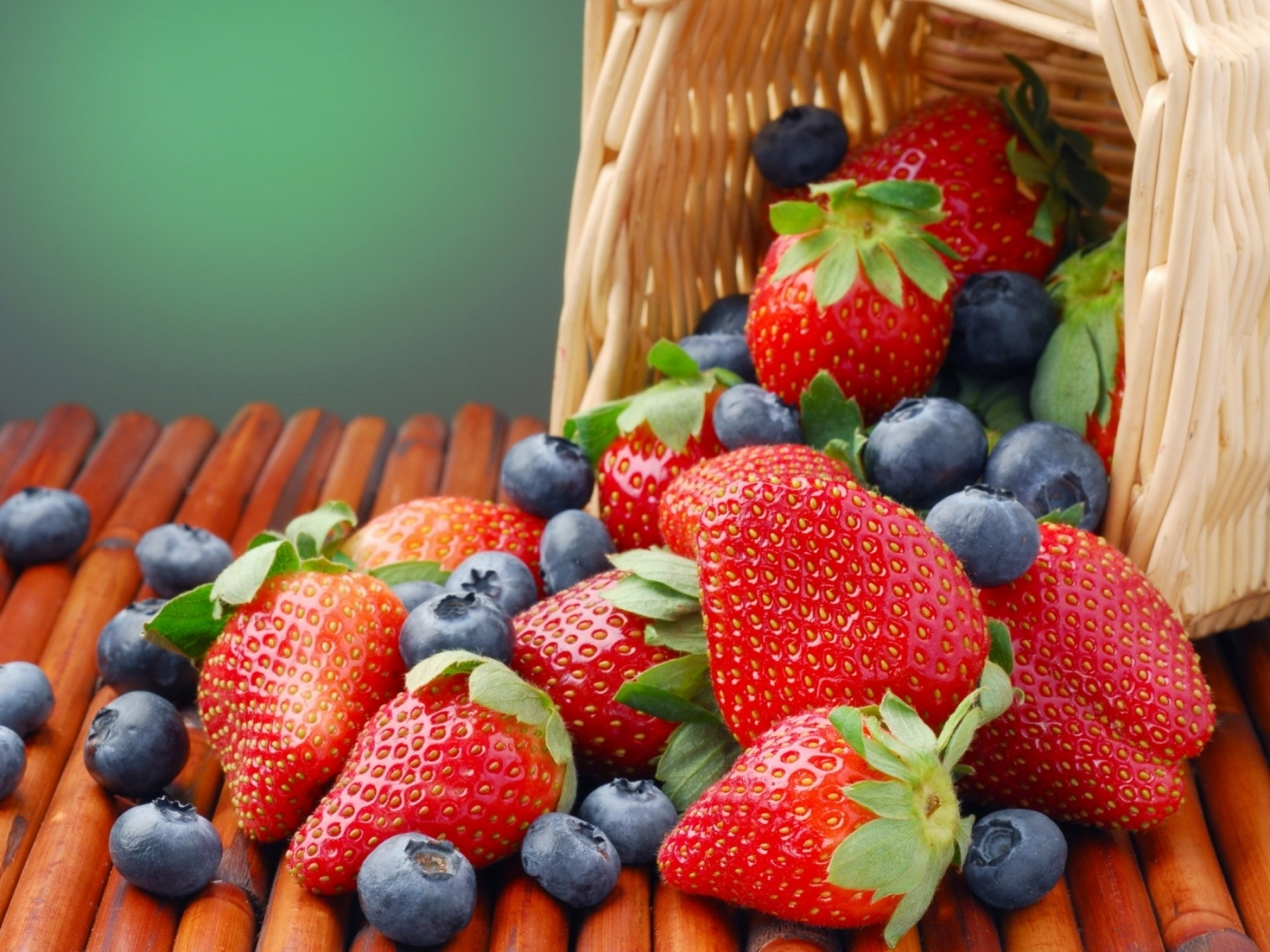 Descarga gratuita de fondo de pantalla para móvil de Plantas, Comida, Fresa, Bayas.