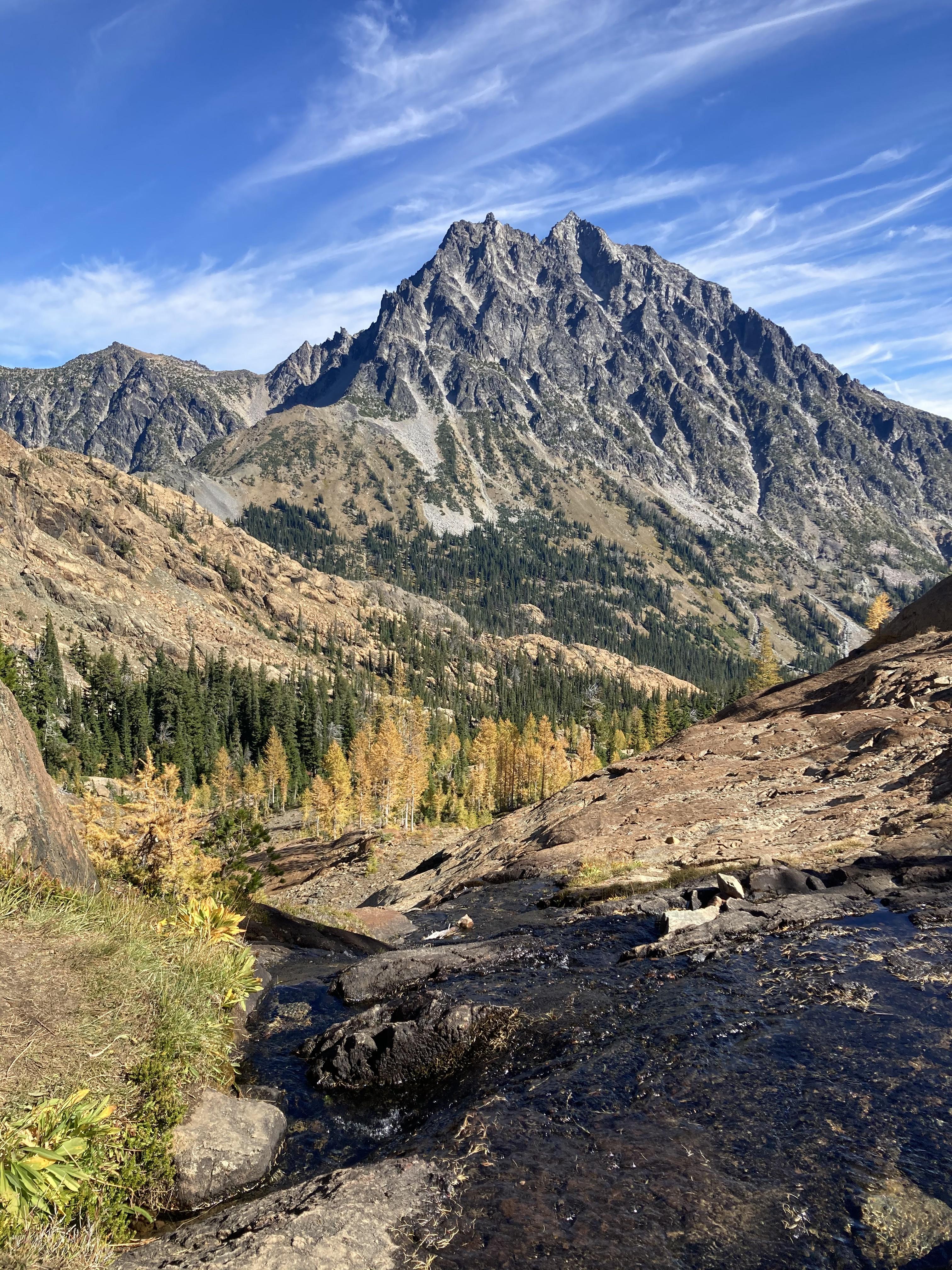 154269 скачать обои Природа, Скалы, Река, Камни, Деревья, Горы - заставки и картинки бесплатно