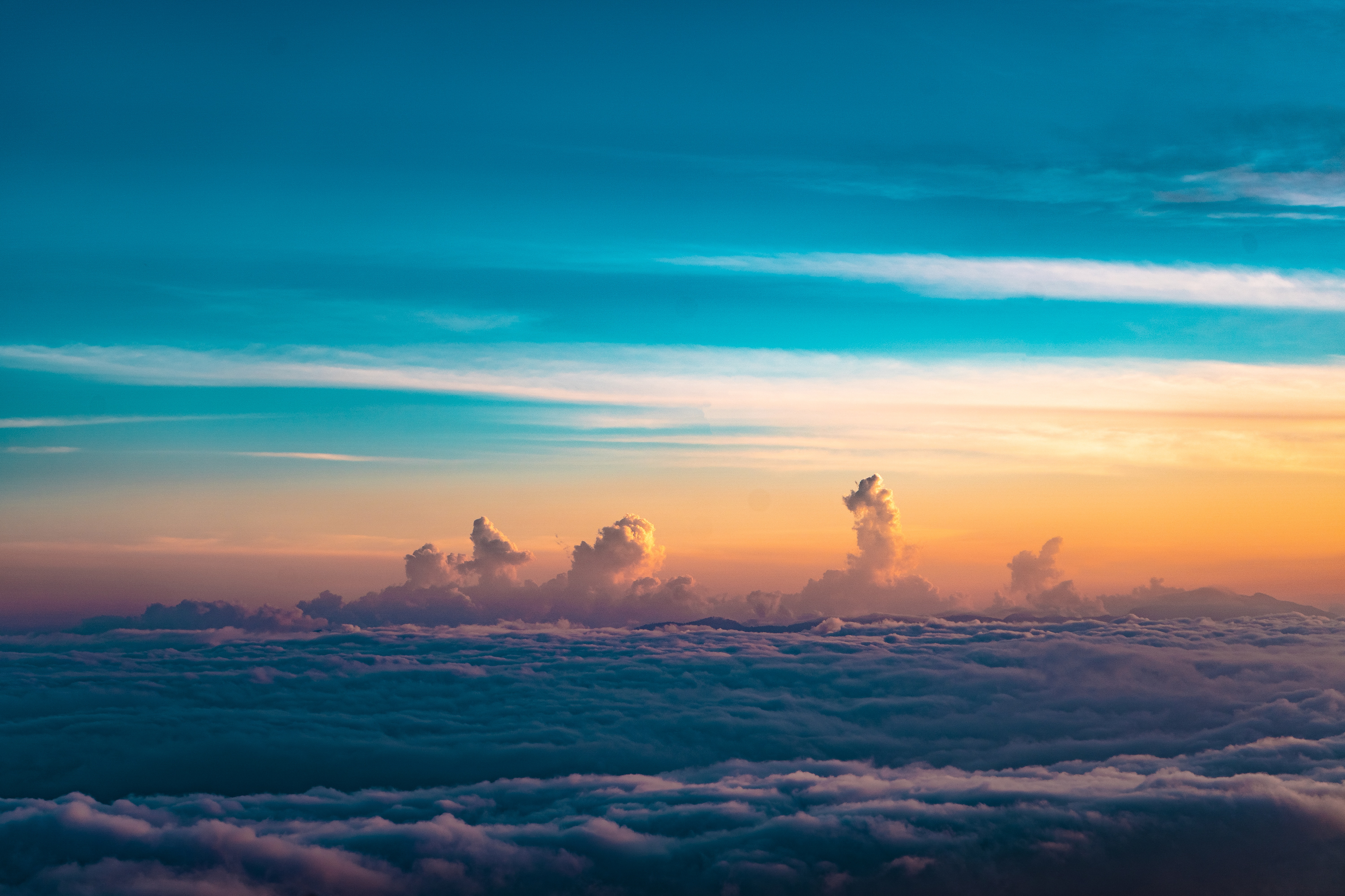 74105 download wallpaper Nature, Clouds, Sky, Horizon, Height, Thick screensavers and pictures for free